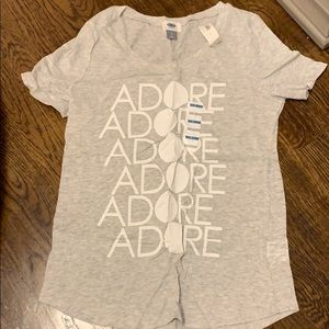 NWT. Old Navy T-shirt. Size small
